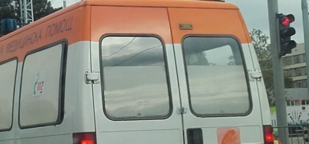 Кола и румънски бус се блъснаха на околовръстното в Русе